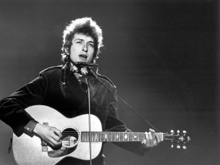 Bob Dylan's 'A Hard Rain's A-Gonna Fall' Lyrics to Be Auctioned in London