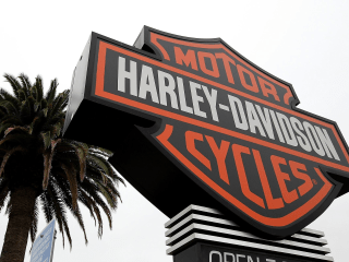 Harley-Davidson Recalls 185,000 Motorcycles Over Loose Saddlebags