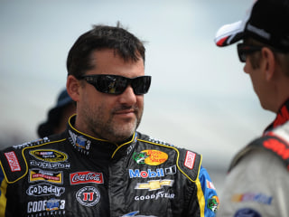 Tony Stewart Qualifies for First Race Since Fatal Crash, Harvick on Pole