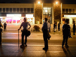 Number of Arrests Plummet at Michael Brown Protests in Ferguson