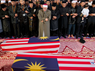 Victims of Flight 17 Return to Malaysia