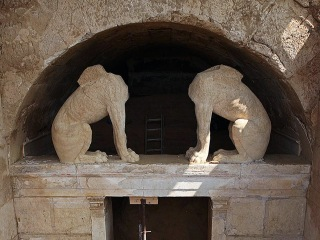 Ancient Greek Tomb Was Looted, Sad Scientists Say