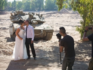Tank Backdrops Wedding Portraits in Israel During Ceasefire