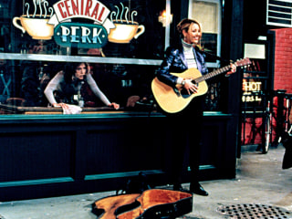 'Central Perk' Opening in NYC in Honor of 'Friends' 20th Anniversary