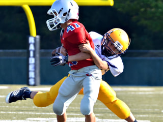 Parents Uncomfortable With Youth Football, Poll Finds