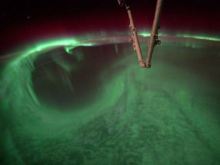 Astronaut Captures Aurora in Stunning Time-Lapse