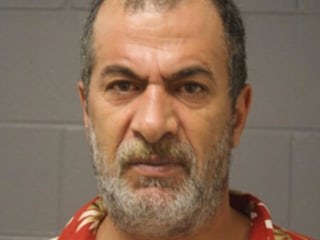 Man With ISIS Flag Threatens Chicago Cop With Bomb: Police