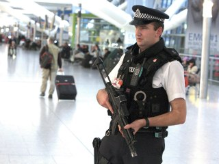 Britain Gives Police Power to Strip Suspected Terrorists of Passports