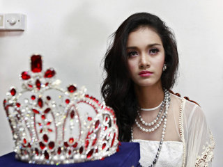 Dethroned Beauty Queen May Myat Noe Demands Apology