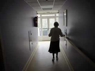 Alzheimer's Worsens Twice As Fast in Women, Study Finds