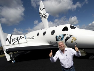 Sir Richard Branson Plans Trip to Space in Early 2015