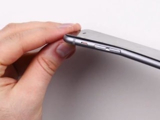 Flexible Display? New iPhone 6 Prone to Bending, Some Users Find