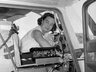 Jerrie Mock, First Female Pilot to Circle Globe, Dies at 88