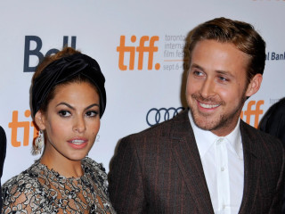 Ryan Gosling Reveals 1st Pic of His and Eva Mendes' New Baby (Sort Of)