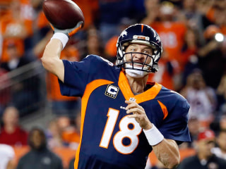 Manning Breaks TD Record as Broncos Crush 49ers