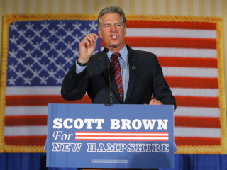 Scott Brown Keeping Senate Race Close in New Hampshire