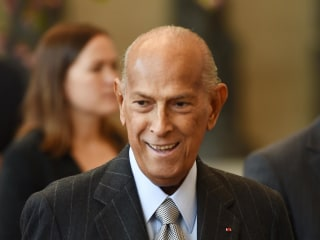 Legendary Fashion Designer Oscar de la Renta Remembered At Cannes