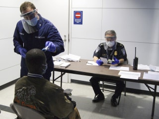 Ebola Outbreak: Travelers From West Africa Must Arrive at Five U.S. Airports