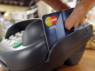 Credit or Debit? Retail Hacks Force Holiday Shoppers to Rethink