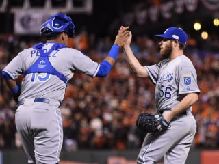 Royals Edge Giants in World Series Game 3, Lead 2-1