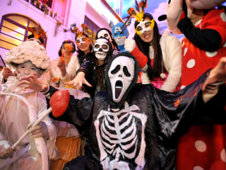 Stay Safe, Score Big With These Trick-Or-Treating Tips