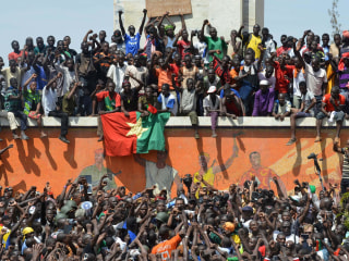 Victory: Crowds in Burkina Faso Cheer as Leader Quits