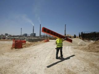 Israeli Mayor of Ashkelon Draws Fire for Ban on Arab Workers