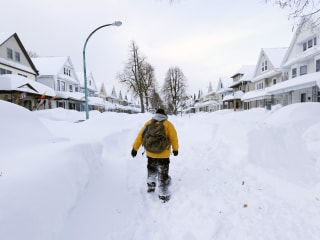 Death Toll From Snow Storm Rises to 10, 3 More Feet Expected