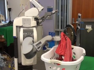 Tired of Doing Your Laundry? PR2 Robot Comes to the Rescue