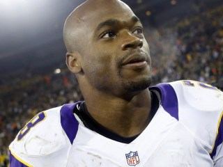 Report: Vikings' Zimmer Will Make Pitch to Peterson Wednesday