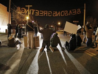 Pair Suspected of Trying to Acquire Bombs for Ferguson Protests