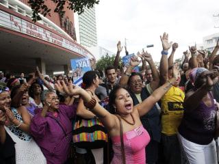 Jubilant Cubans Celebrate Thaw in U.S. Relations