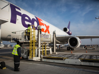 UPS, FedEx Move to Avoid Delivery Debacle Repeat