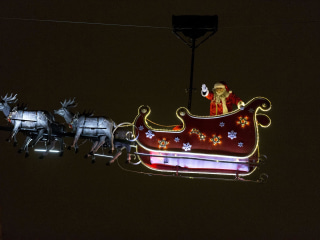 NORAD Tracks Santa's Christmas Eve Journey