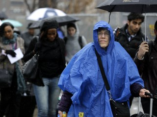 White Christmas for West After Rain, Storms Hamper Holiday Travel