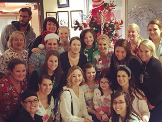 Jennifer Lawrence Visits Children's Hospital on Christmas Eve