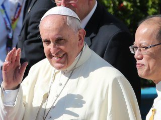Cheek Turning: Pope Francis Wanted to 'Kick' Corrupt Officials in the Rear