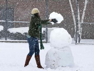 Northeast Snowstorm Creeps Up Coast, Slamming New England