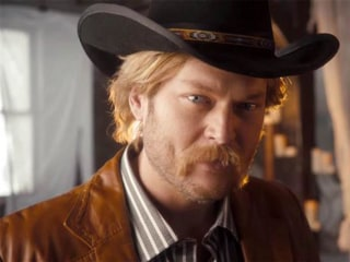 Blake Shelton Belts Out Hilarious Country Music Spoof on 'SNL'