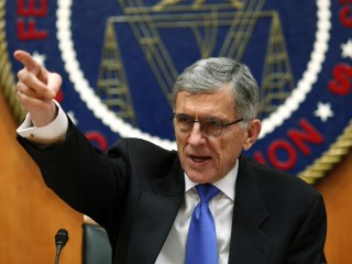 FCC Passes Net Neutrality Rules in Victory for Open-Internet Activists