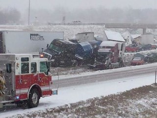 Pileups Snarl Missouri Highway as Snow Moves Through State