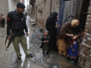 Pakistan Polio Push: 471 Parents Arrested for Refusing to Vaccinate Kids