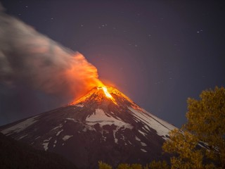 Chile's Villarica Volcano Erupts, Forcing Thousands to Evacuate