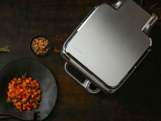 Cinder Smart Grill Cooks Steaks With Astronomical Precision