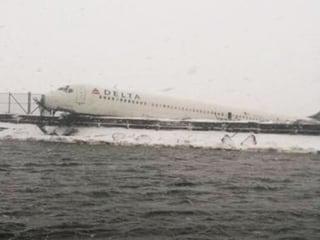 Delta Passenger: Plane Slid for 'Thousands of Feet'