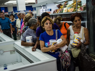 Venezuelans Get Fridays Off in Bid to Ease Energy Crisis