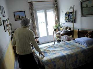 Brain Games Might Cut Alzheimer's Risk