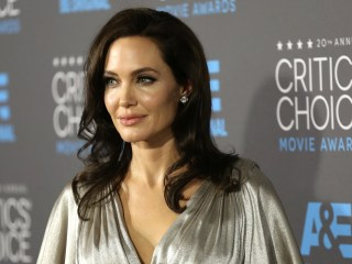 Doctors Approve of Angelina Jolie's Surgery