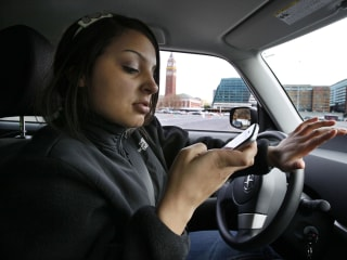 More People Are Surfing the Web Behind the Wheel