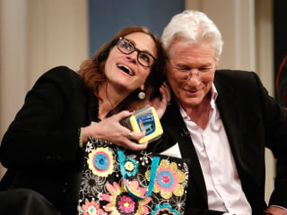 Roberts, Gere Recreate Iconic 'Pretty Woman' Scenes